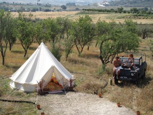 Beduin tent with Land Rover