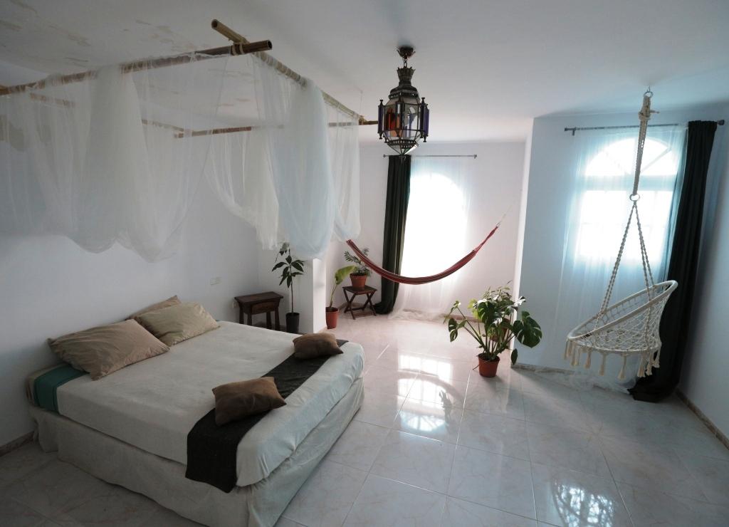 naturisme et chambres th matiques la chambre tropicale finca johanna. Black Bedroom Furniture Sets. Home Design Ideas