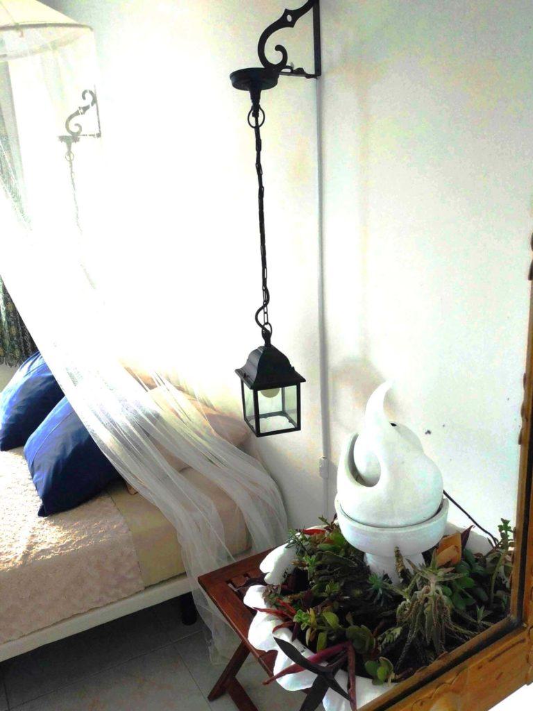 Chambre Andalouse reflet dans le miroir