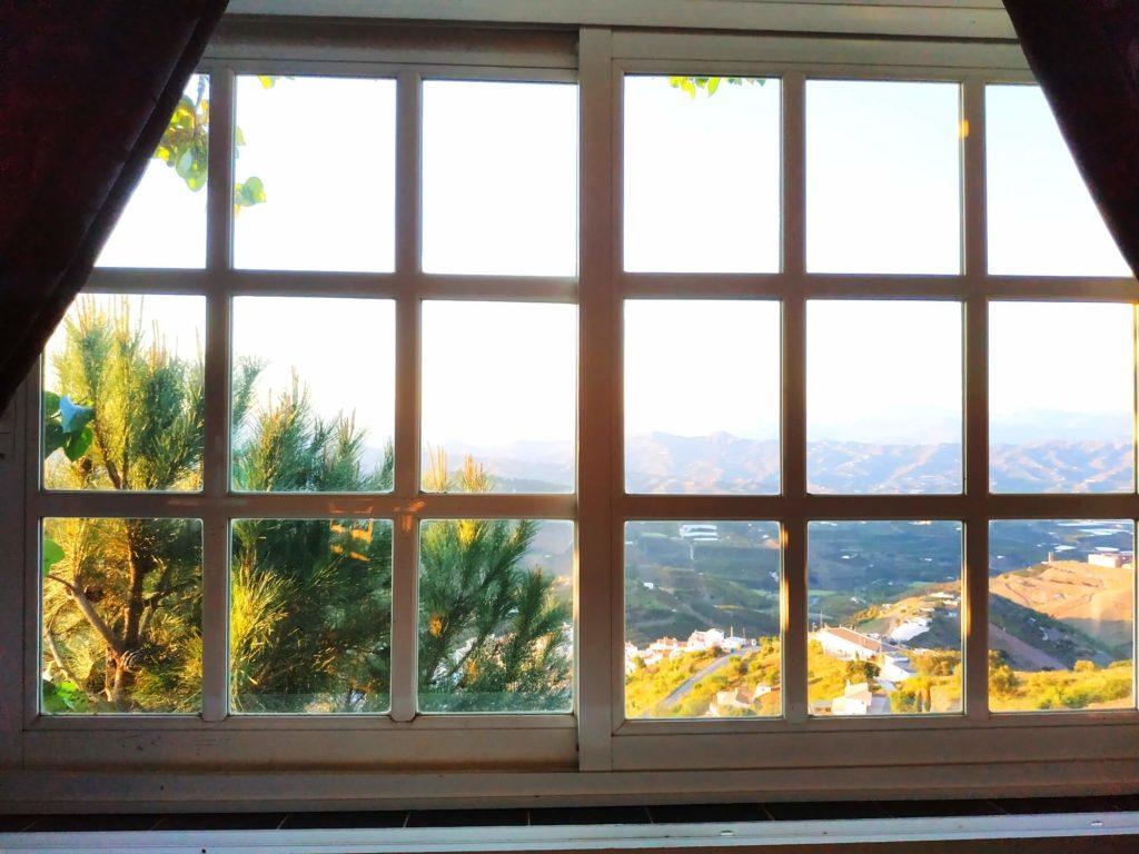 Vue montagnes fenêtre de la Chambre Mille et une Nuits